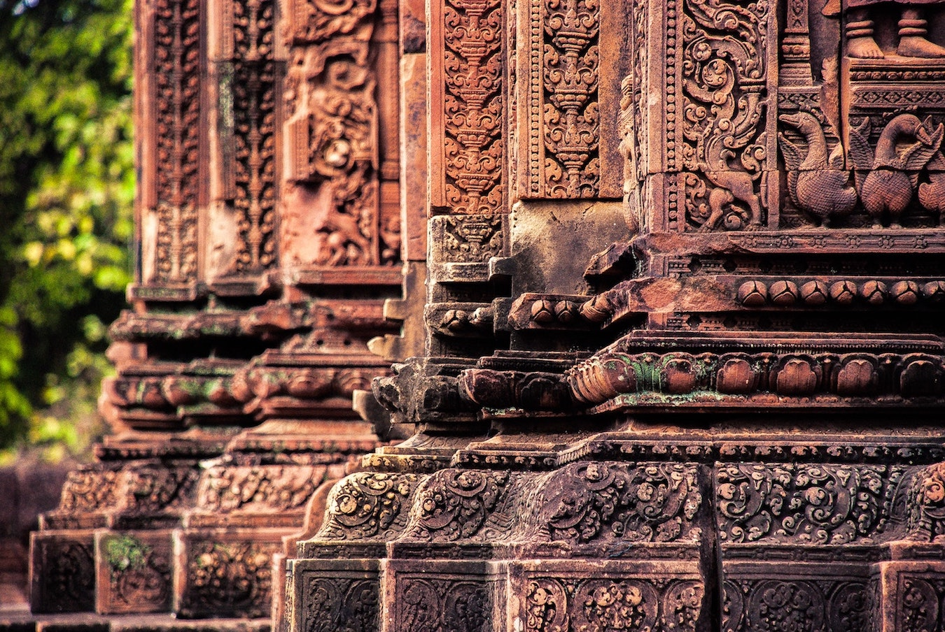 Explore the Intricate Carvings at Banteay Srei