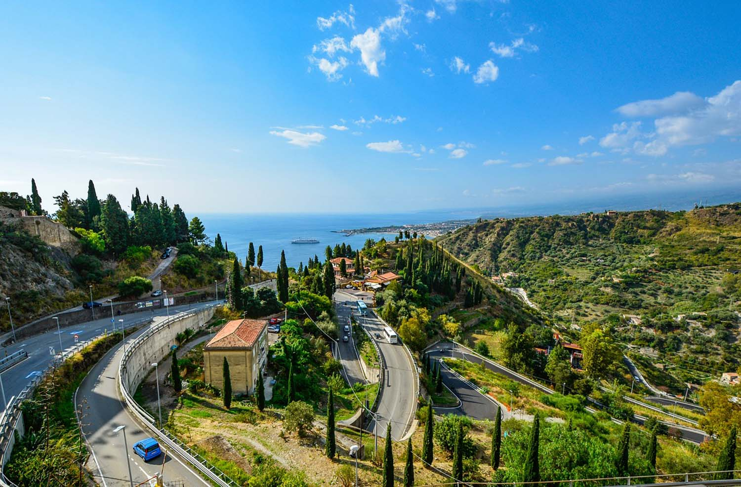 Cruise to Taormina in a vintage Fiat