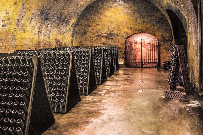 Tour Underground Wine Cellars