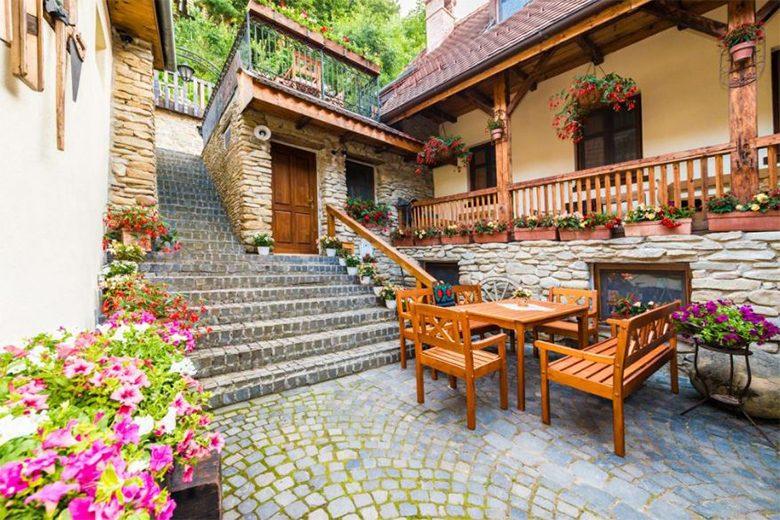 Romania - Casa Savri
