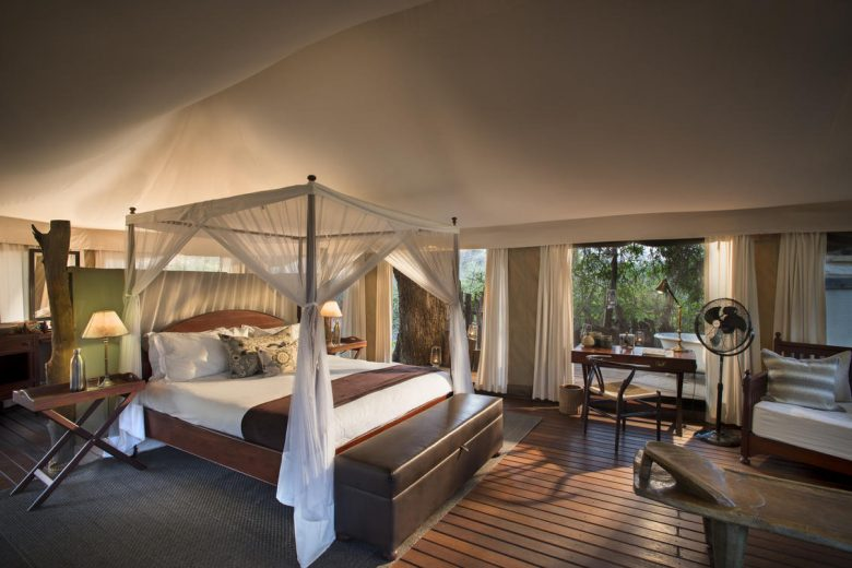 Zimbabwe_Kanga Camp Honeymoon Tent