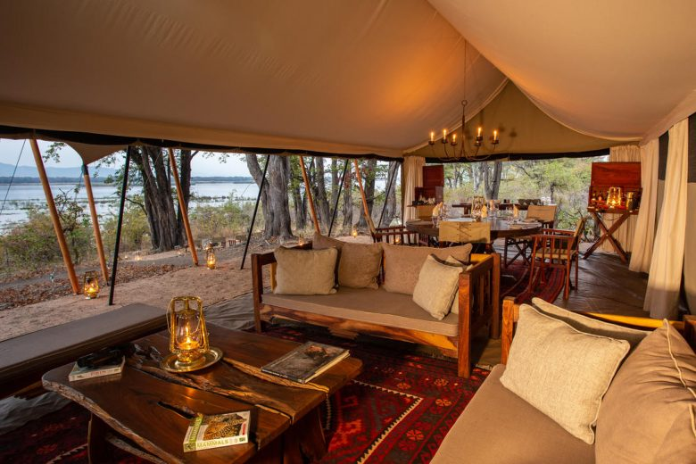 Zimbabwe_Sapi Explorers Camp Lounge